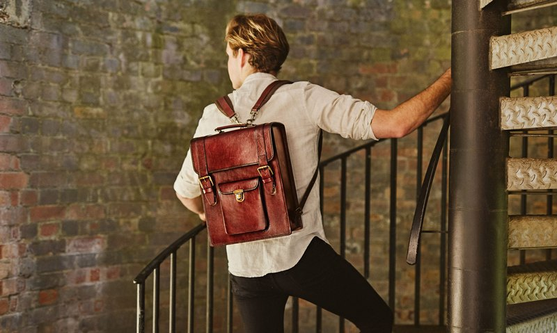 Flynn classic old-school leather backpack