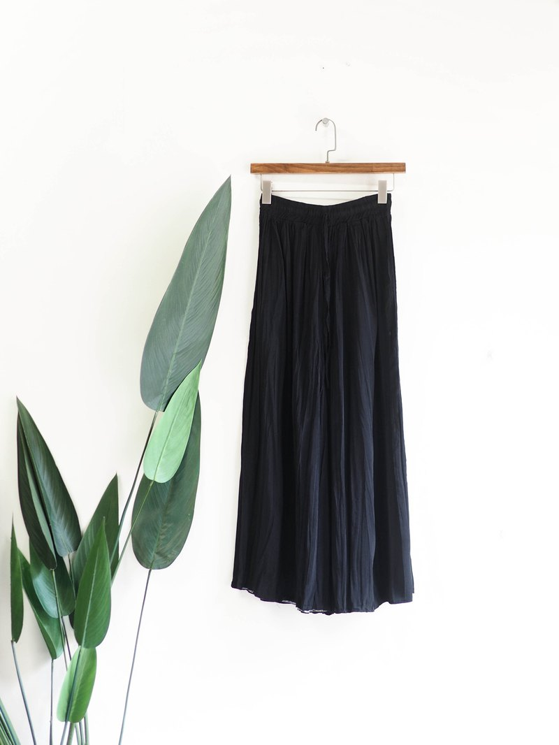 Pure black wrinkle fine drawstring character girl antique spinning wide pants wide pants pants vintage