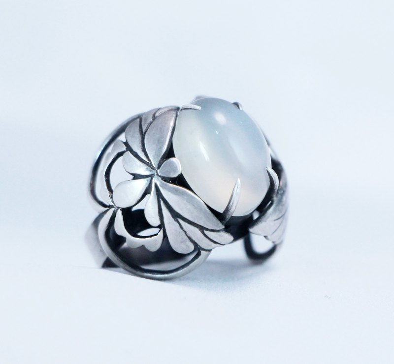 Moon butterfly see king. Moonstone 925 silver ring.