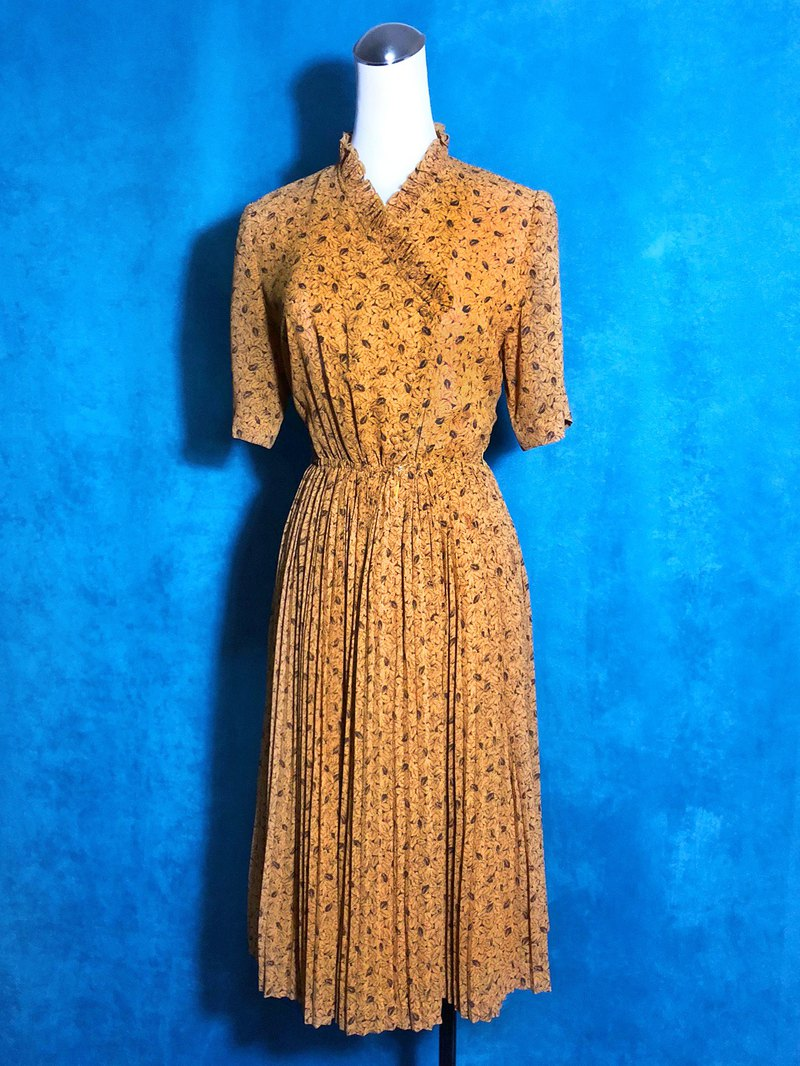 Warm yellow ruffled flowers short-sleeved vintage dress / abroad brought back VINTAGE