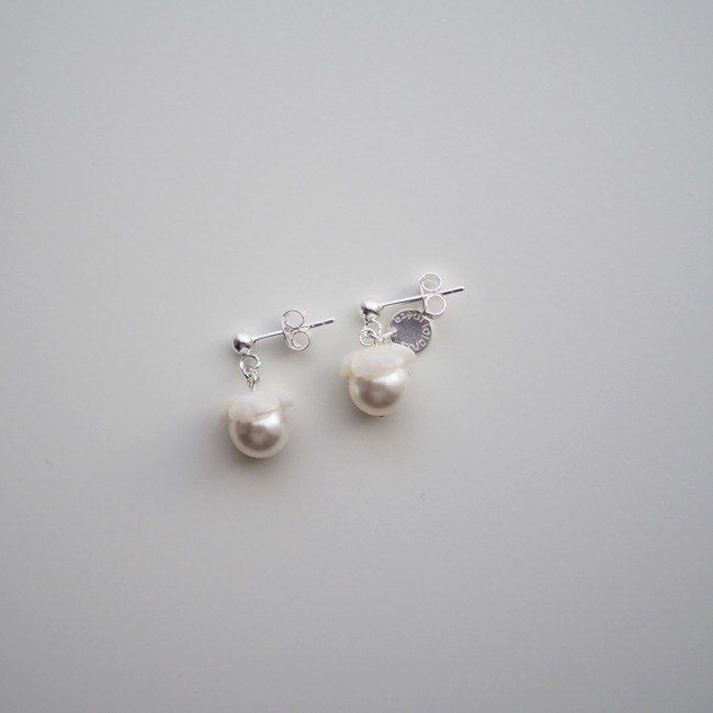Earrings耳環:  Rosanna One Earrings (Crystal White) - E005
