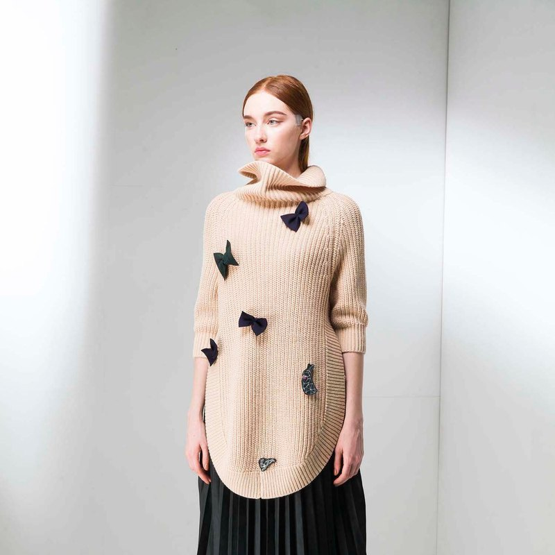 Bowknot bunny knit long-necked sweater (on, not included)