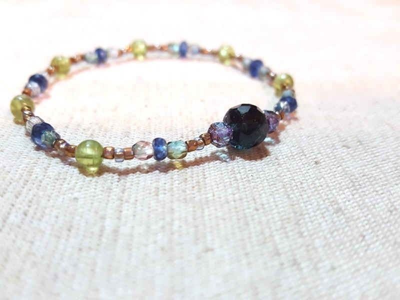 Dotdot | olivine x kyanite x rich blue green tourmaline