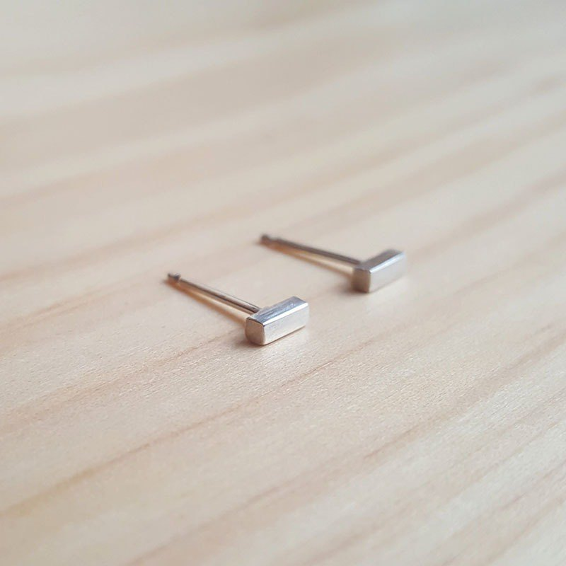 Geometric series of linear silver earrings - ear acupuncture