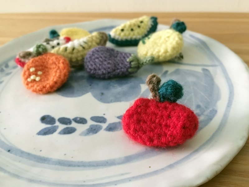 Crocheted vegetable and fruit pin apple