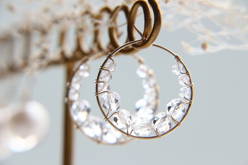 14kgf-Ice bubble quartz hoop pierced earrings