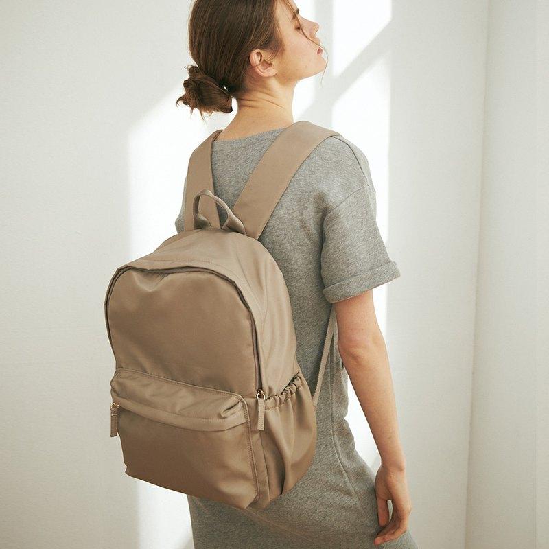 Amina 防潑水尼龍 後背包 (不含內袋)【淺褐灰】