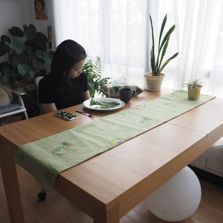 Green and green island natural cotton and linen home decoration table flag