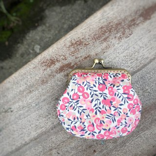 Liberty printed cloth. Sweetheart Berry Coin Purse