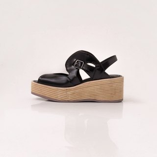 ZOODY / bubble thick at the end / hand shoes / thick hollow sandals / black