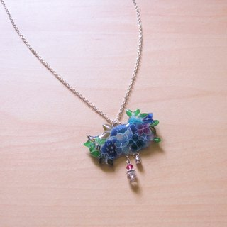 Amethyst necklace // 2nd use small flowers ornaments / cloth accessories / handmade