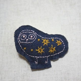 "Hand embroidery broach ""Owl"""