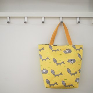 Family wine series shoulder bag / handbag / limited manual bag / yellow fox / stock