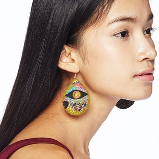 Embroidered Earrings / Cat Embroidered Earrings