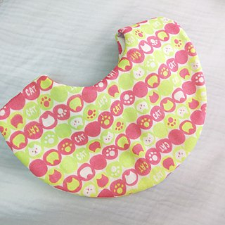 Cat circle. Japanese six-fold double-sided bib (can be added 40 embroidery name)