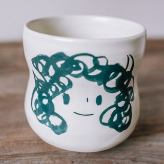 Brut Cake handmade ceramic – smiley face mug 360ml (3) , curve shape, hand drawn face pottery cup. A great gift idea !