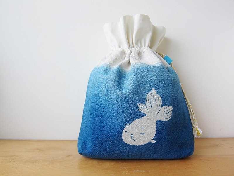 Herbal dyed cross body bag-Goldfish Kitty