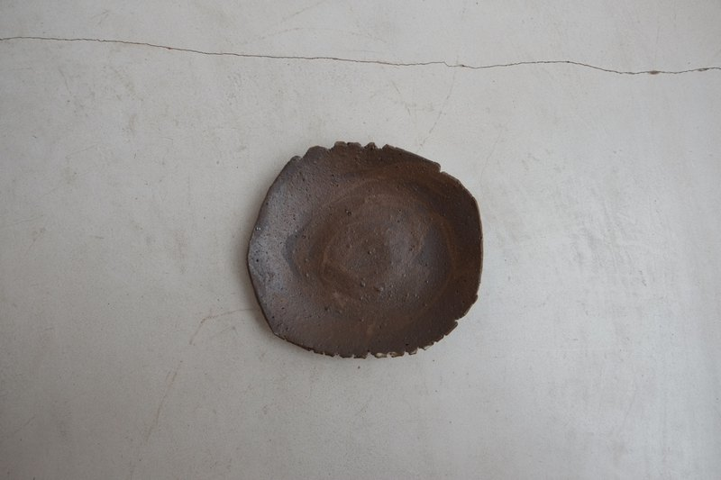 Hand made pottery saddle brown 002