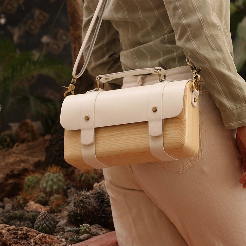 BL wooden bag - white