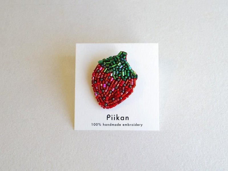 【Fruit series】 Strawberry Brooch