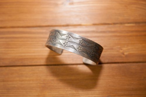 Dreamstation leather 鞄 Institute, Indian hand-printed sterling silver bracelet