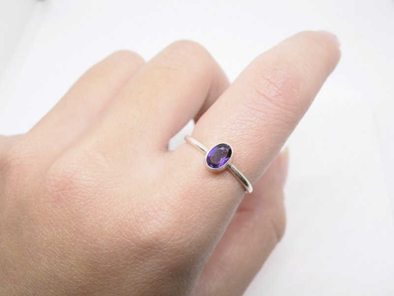Amethyst Silver Ring simple to live in Nepal handmade inlaid Valentine gift birthday gift