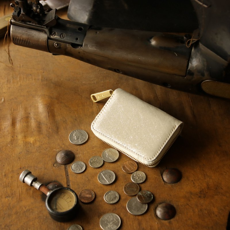 Japan Manufacturing currency Costume cowhide silver color made in JAPAN handmade leather wallet coincase