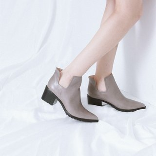 U-shaped side digging pointed jagged with leather boots gray brown