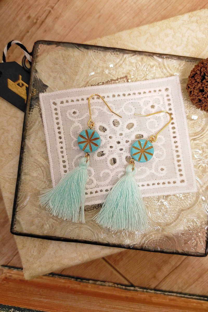 Turkish blue rice-shaped tracing gold beads cotton thread tassel earrings D245 gift fresh and romantic