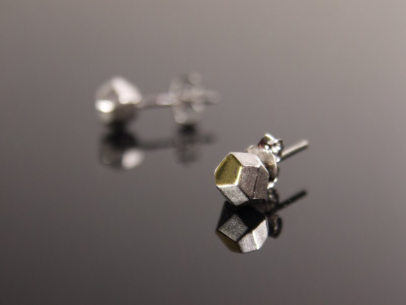 925銀不規則幾何石頭型耳環 白K金電鍍款