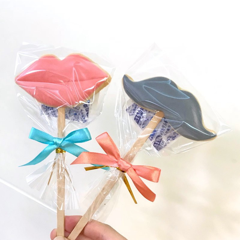 Red Lips / Beard Ribbon Lollipop Frosting Cookies 10 Pieces (Wedding Cookies)