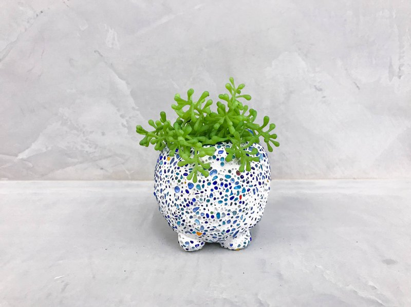 Four-legged hand-planted planting │ limited edition