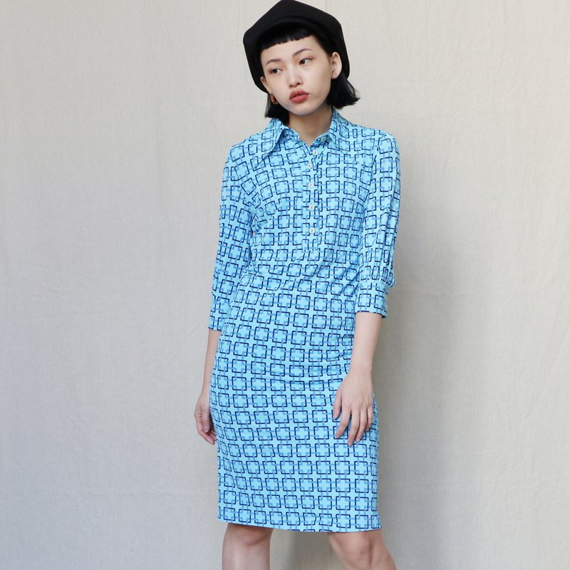 Pumpkin Vintage. Sky blue print dress