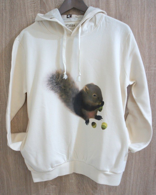 Red-bellied squirrel & round-eyed green stiletto long-sleeved hooded T (boy)
