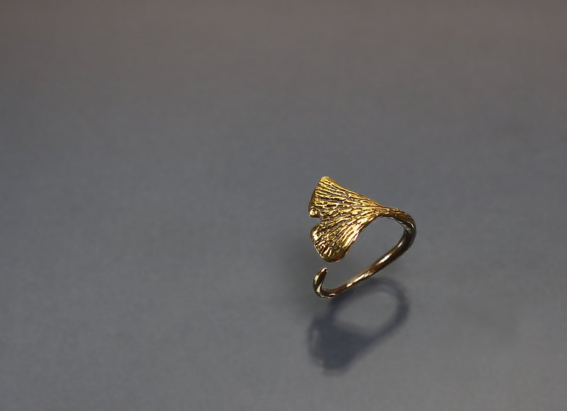 Plant Series-Ginkgo Leaf Brass Ring