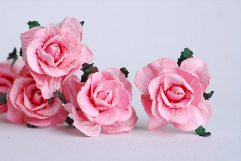 Paper Flower, 25 pcs. autumn paper roses, size 4 cm. pale pink color. Handmade