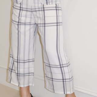 Flat 135 X Taiwan Designer Series White Straight Line Cloth Textured Casual Cropped Pants