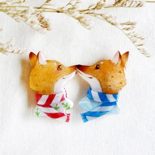 Valentine's Day Fox brooch( 2 styles)