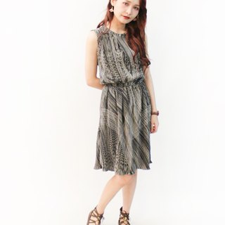 Vintage Korean-made adults with rippled stripes black sleeveless vintage dress Vintage Dress