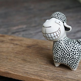 Smiling Sheep, Super Cute sheep Couple sheep, Ceramic Sheep ornament