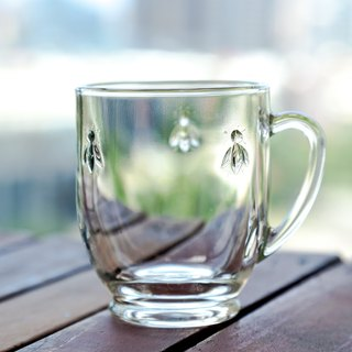 Bee glass mug