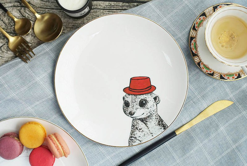 Desert Buddy Series-Meerkat Meerkat 20cm Gold Bone China Plate