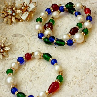 Venetian glass with pearl bracelet