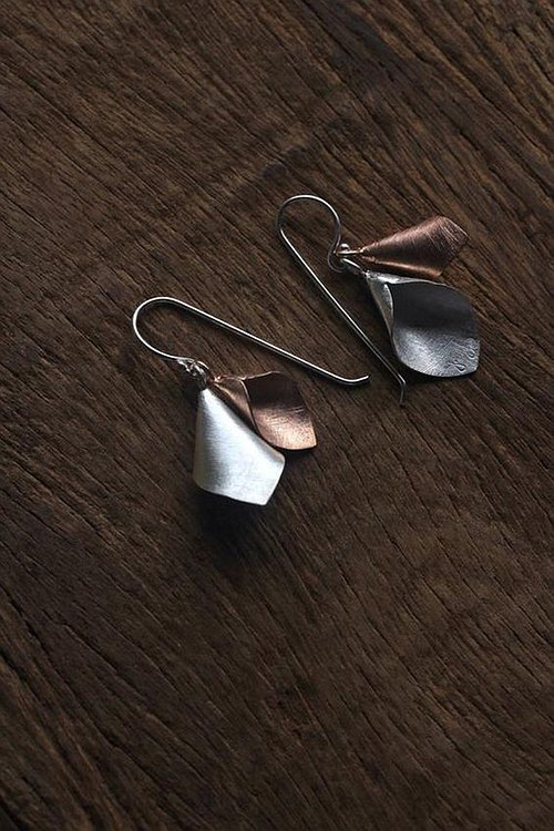 Calla lily flower handmade silver earrings (E0185)