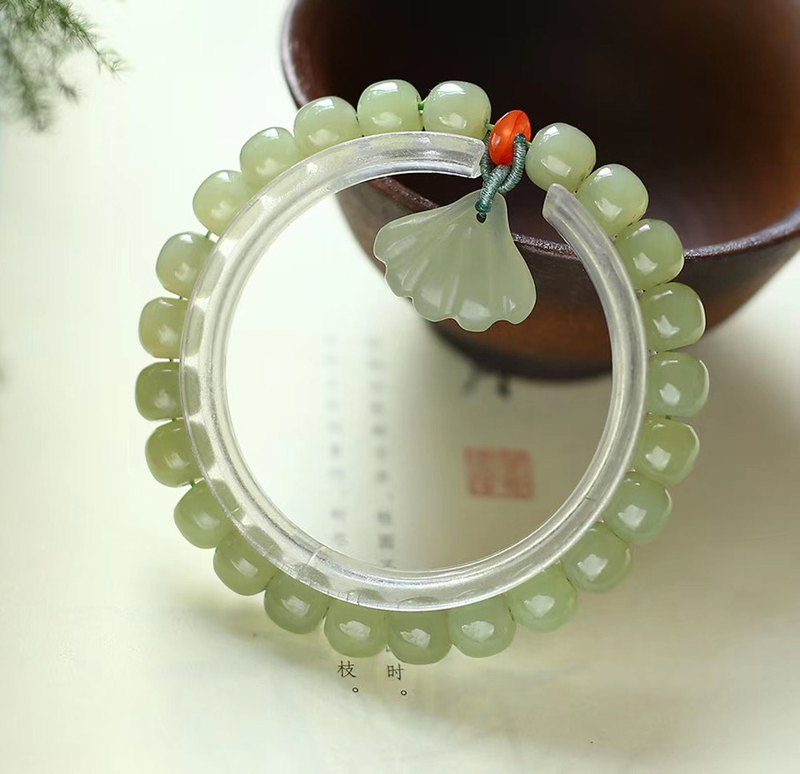 [Welfare price] natural Hetian jade old bead bracelet necklace / embellished natural Hetian jade shell pendant