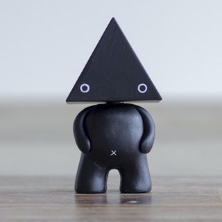 COLLECTABLE TOY-LU TRIANGLE  Figures