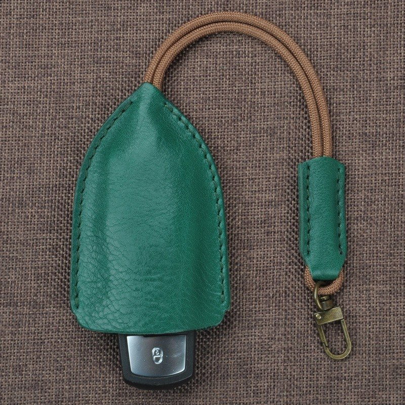 Creative handmade leather key cases car key cases free printed gift gift English