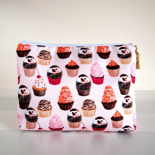 Hedgehog makeup bag,Hedgehog zip bag,Hedgehog cosmetic bag,Hedgehog toiletry bag,Hedgehog zip pouch,Hedgehog gift,Cupcake pouch,gift for her