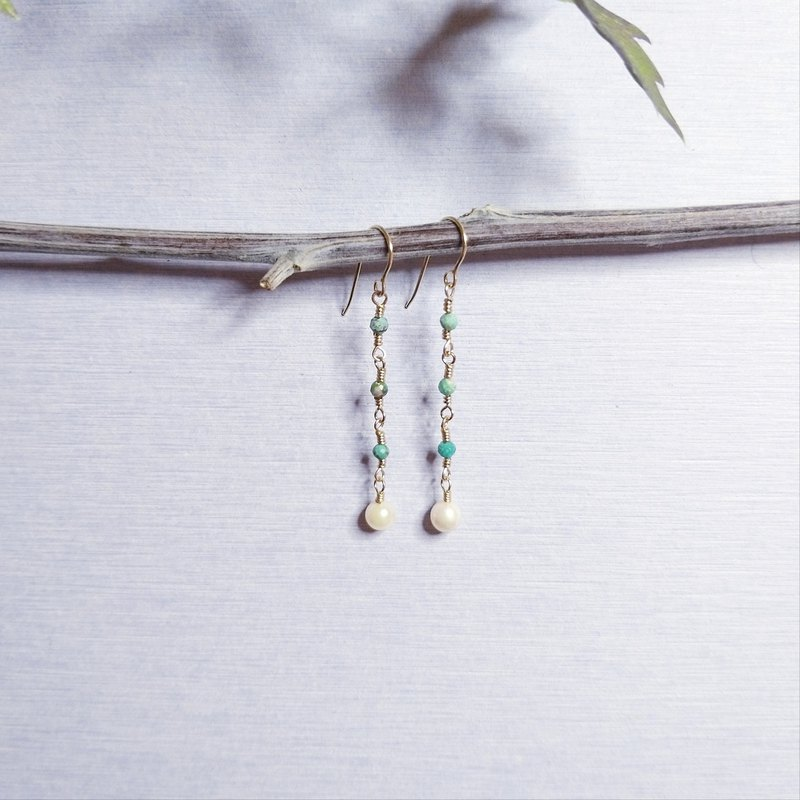 BabyAkoya: Japanese Sea Pearl with Hook Earrings (14krgf/handmade/rosegold)
