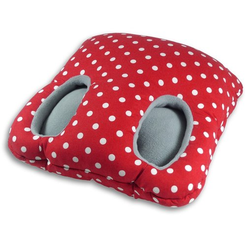 Warm foot mat (red and white spots)